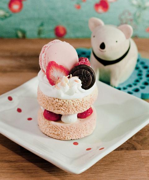AfterApril Handmade: 黏土草莓馬卡龍巧克力蛋糕