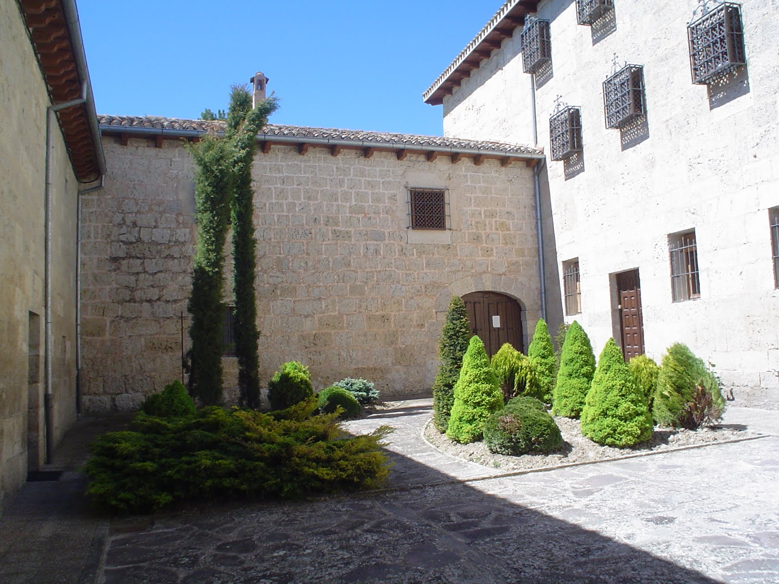 Resultado de imagen de Monasterio de San Salvador (Palacios de Benaver)