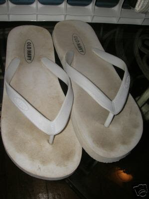 how to get dirt out of white shoes