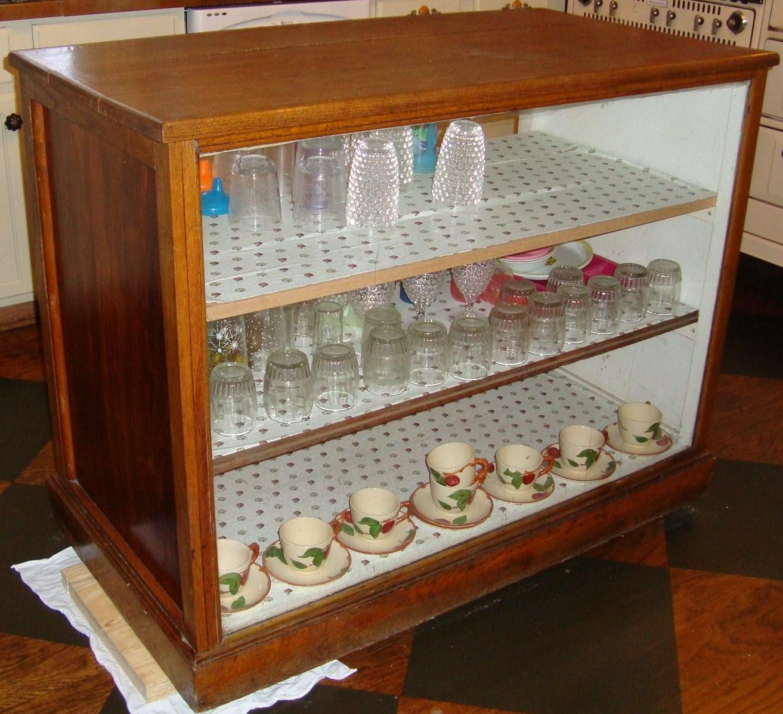 Kitchen Cabinet Displays: Display Cabinet Kitchen Island Goes White