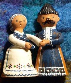 Pareja de Campesinos Hungaros en Ceramica