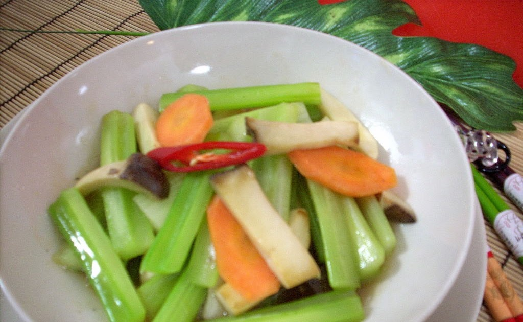 The Modern VEGETARIAN - Recipes: Stir-Fried Celery with King Oyster ...