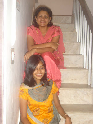 aayi s aunties on the stairs kerala mallu aunties photos without saree