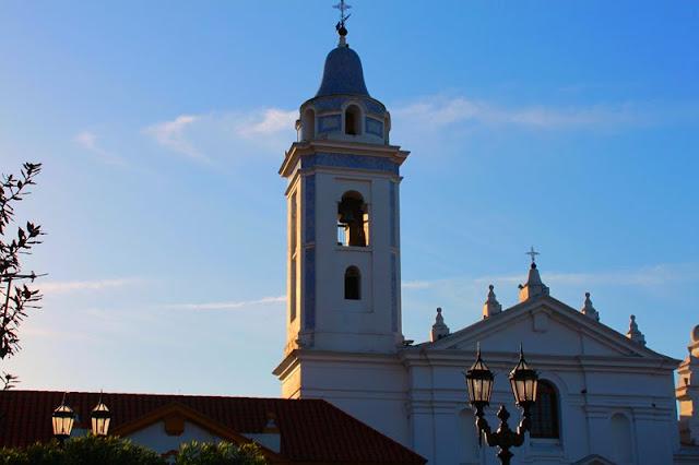 Campanario de Iglesia del Pilar en Recoleta,Argentina.