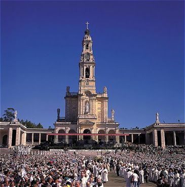 Santuario de Fátima (Portugal) abarrotado de feligreses