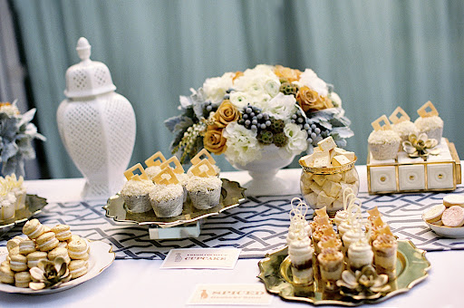 Isn T It Fabulous How Well The Dining Table Coordinates With Dessert S Design That No Accident By Using Same Linens Flowers