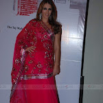 Elizabeth Hurley & Sonam Kapoor