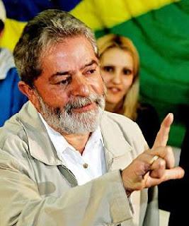 Foto 0 en  - Asegura Lula que no lee Playboy