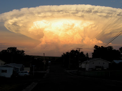 SOLO COSITAS QUE LEO Nube+explosiva