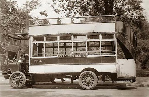 NYC Bus 1910