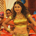 Richa Soni Looking Too Hot In Traditional Dress...