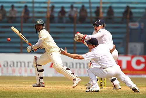 Cricket photo, Bangladesh v England at Chittagong,Junaid Siddique,England tour of Bangladesh,Bangladesh cricket,England cricket