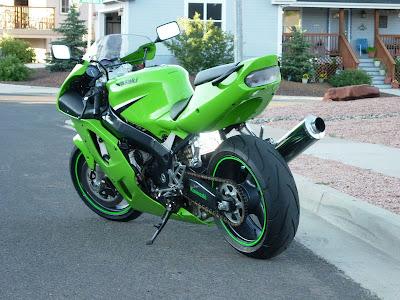 Extreme motorcycles: KAWASAKI ZX7R (1996-2003)