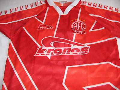 América Futebol Clube. Esta camisa ganhei de um amigo que mora em Natal - Rio  Grande do Norte em 1997. Conversávamos via internet 9881ec5088f