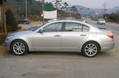 2008 Hyundai Genesis V8 Sedan: BMW 5-Series Copycat Fully Uncovered ...