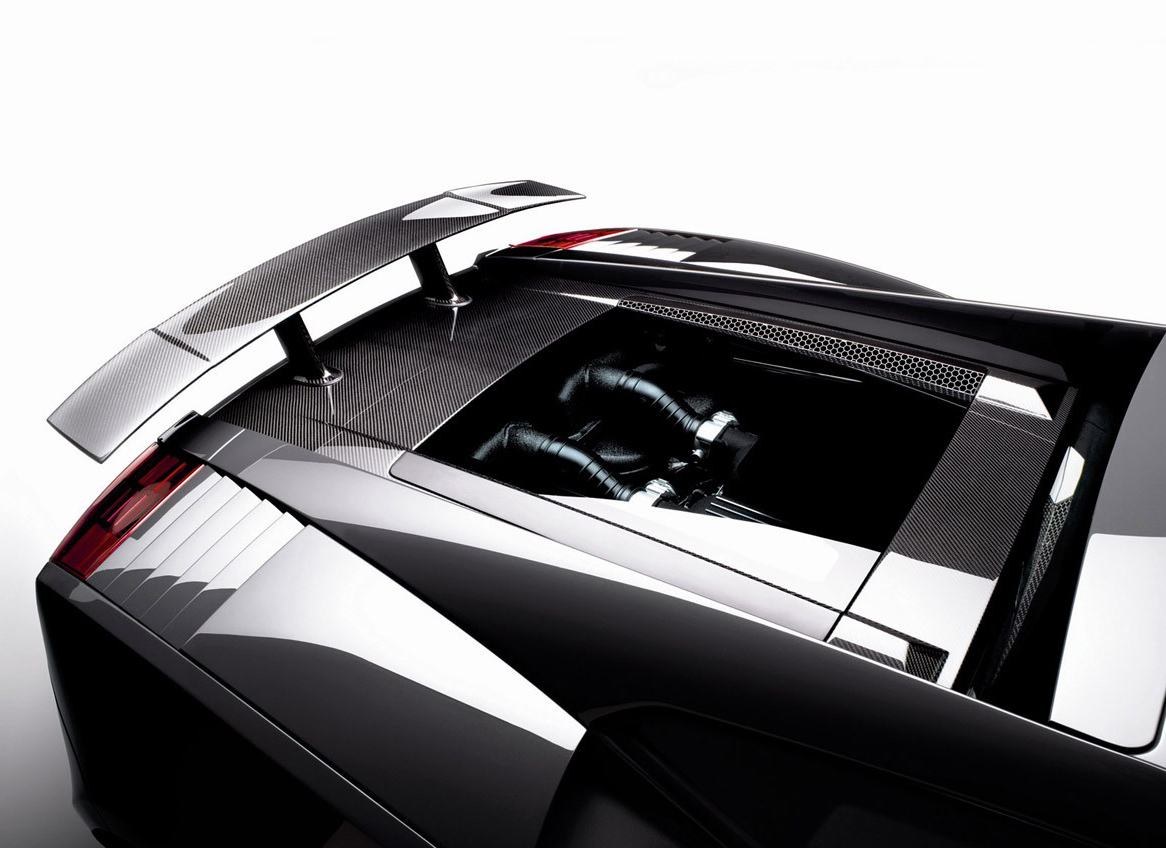 Carscoop_Superleggera_4.jpg