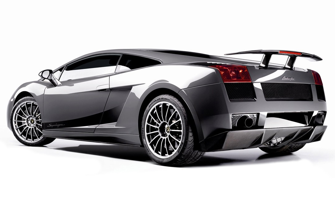 Carscoop_Superleggera_1.jpg