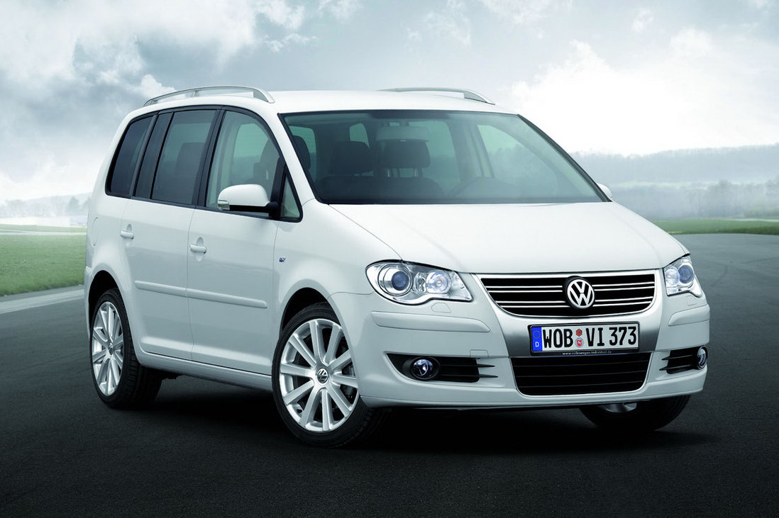 new volkswagen touran mpv confirmed for leipzig auto show. Black Bedroom Furniture Sets. Home Design Ideas