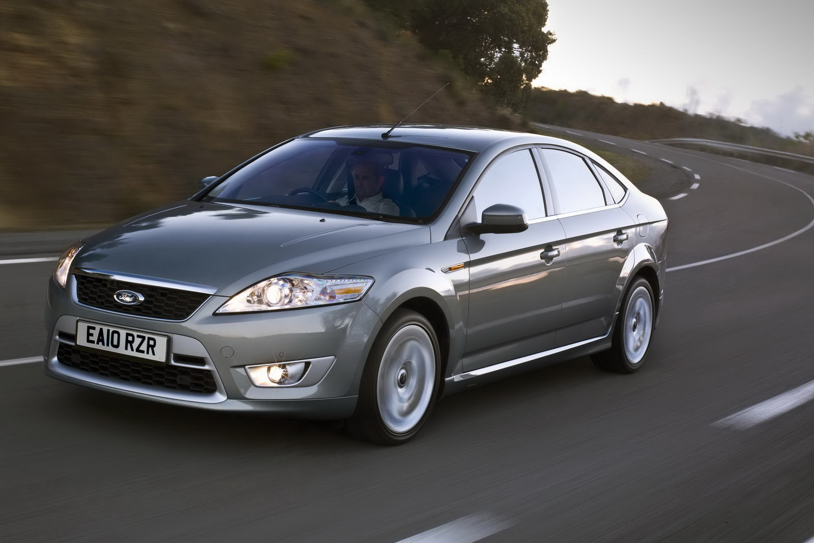 ford uk prices mondeo with the new turbo gasoline and diesel engines. Black Bedroom Furniture Sets. Home Design Ideas