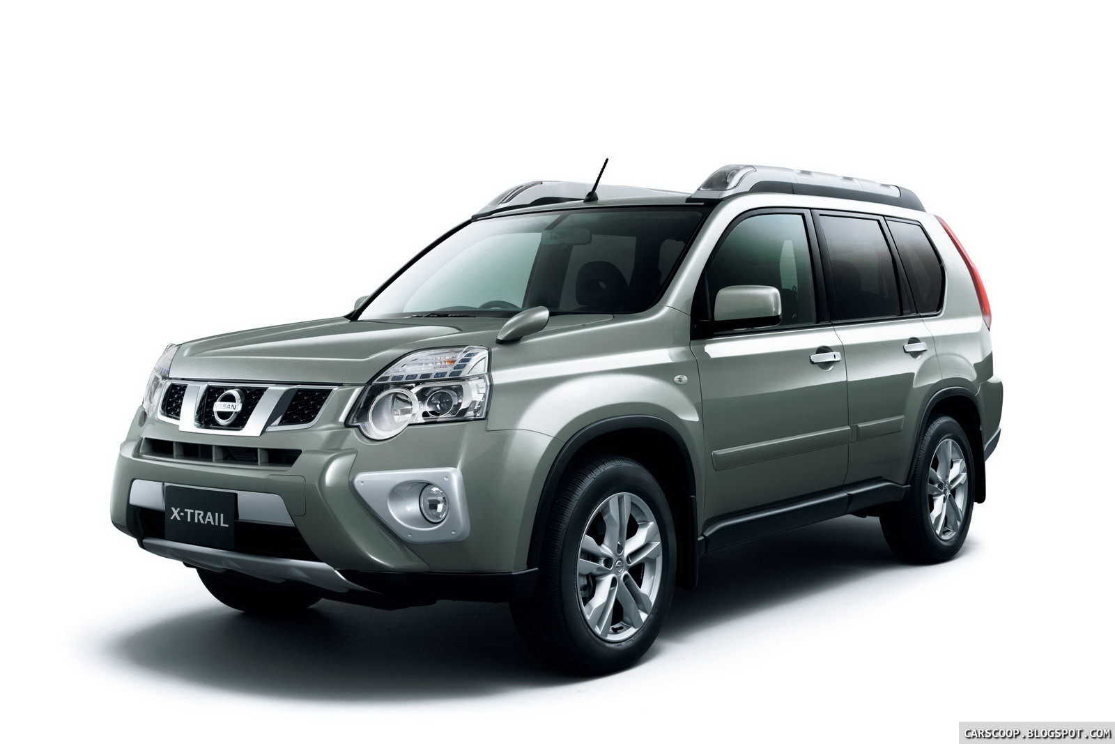 2011 nissan x trail suv facelift breaks cover in japan carscoops. Black Bedroom Furniture Sets. Home Design Ideas
