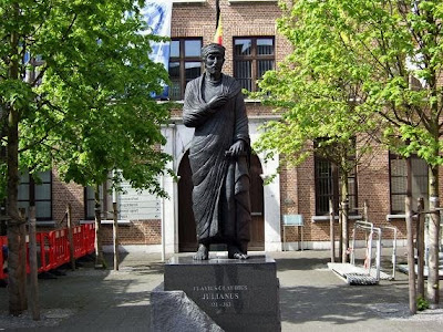 statue Flavius Claudius Julianus in Tongeren