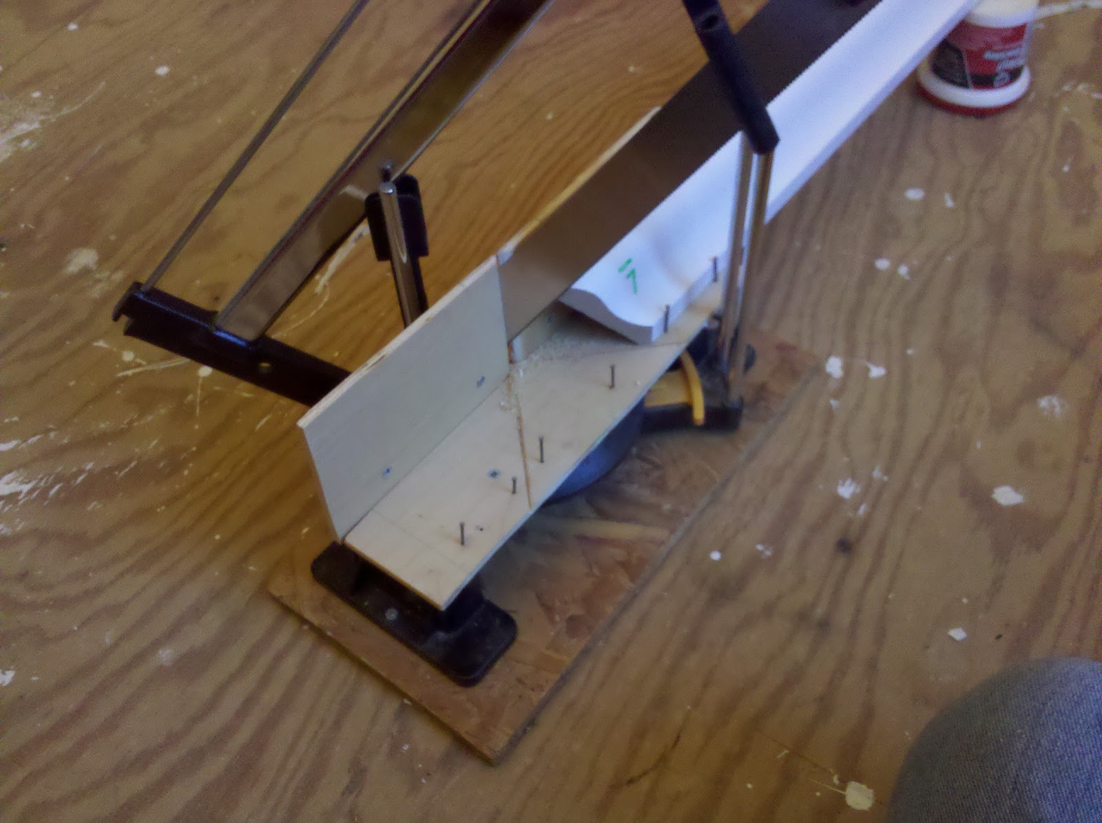 Halfway Woodshop A Jig For Mitering Crown Molding