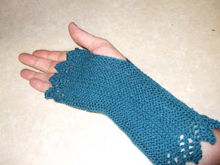 Knitting Pattern Lace Gloves : Lace Gloves Hats