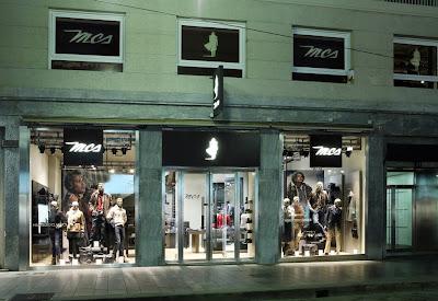 b9d1efcb31c8 La boutique MCS Marlboro Classics di via Torino a Milano riapre su una  superficie più che raddoppiata, un segnale forte di rilancio nella via  commerciale ...