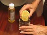 Puis pressez un demi citron