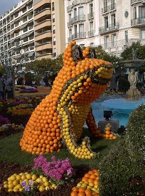 orange sculptures 023 Orange Fruit Creation