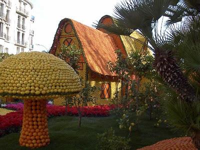orange sculptures 014 Orange Fruit Creation