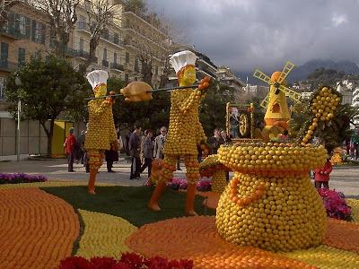 orange sculptures 011 Orange Fruit Creation