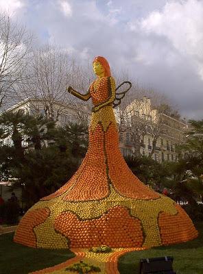 orange sculptures 012 Orange Fruit Creation