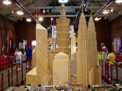 Build Structures using TOOTHPICK! Toothpick_cities_015