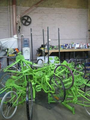 Árvore de Natal feita com 100 bicicletas 2
