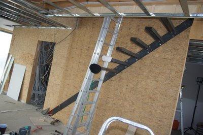Prijs Zwevende Trap : Een passiefhuis in laarne: de zwevende trap krijgt vorm