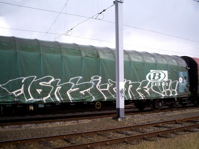 Freight-Train-Graffiti