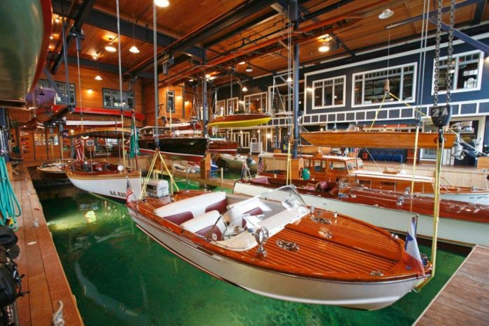 Winns Boathouse For Sale Classic Boats Woody Boater