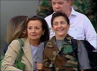 Ingrid Betancourt auprès de sa maman le 2 juillet 2008.