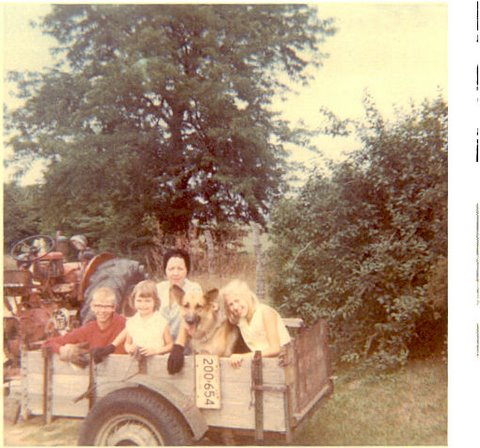 MOM, KEN, BARB, DUKE, AND BETH - WAGONS ARE 'IN' - SAVES GAS MONEY