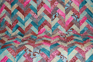 Batik Braid Quilt Tutorial by Jen Eskridge | ReannaLily Design
