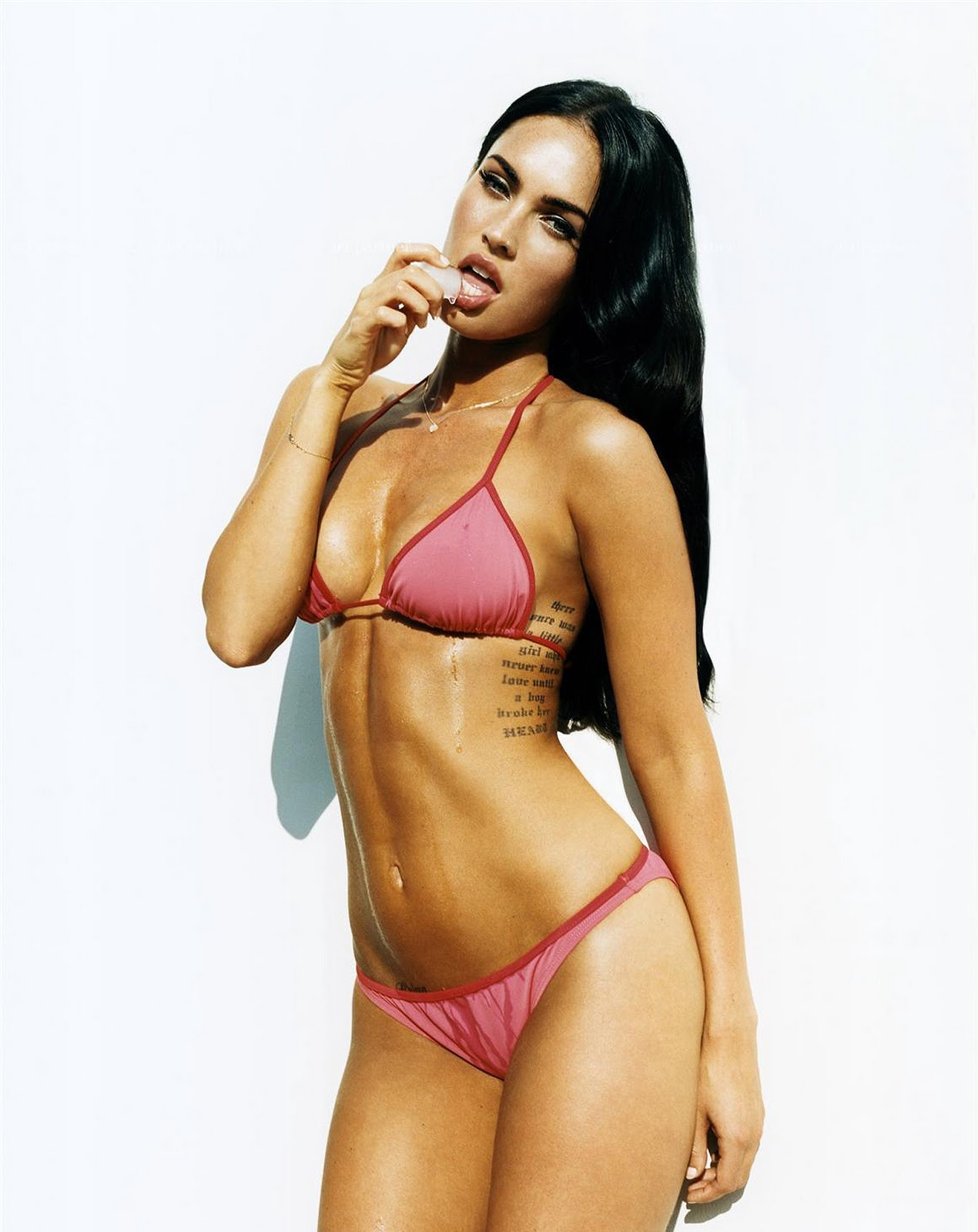 Amanda Bearse: Megan Fox Showing Abs In Sexy Bikini ...