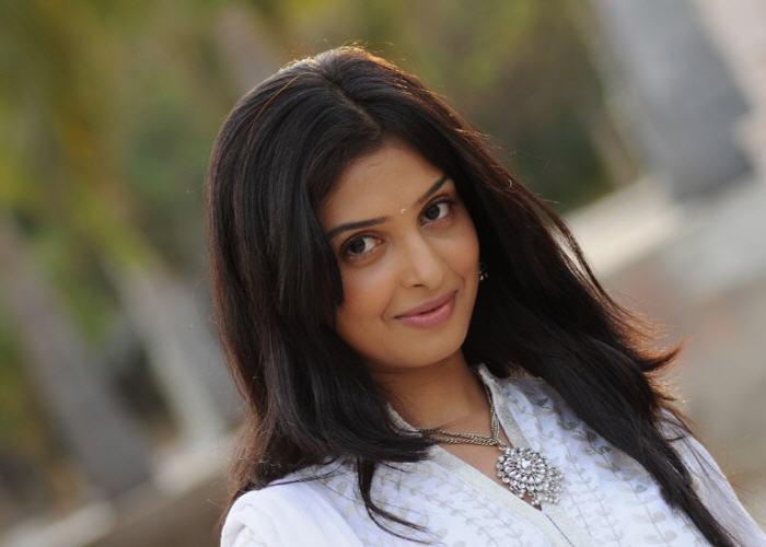 Vainavi Joy Actress Photos Gallery | Actor images