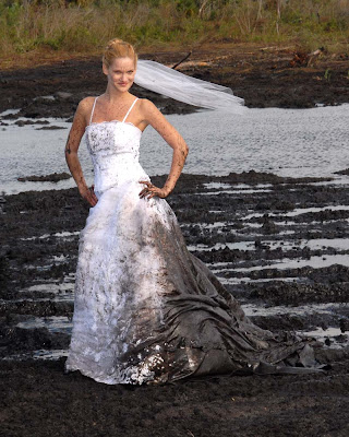 Trash The Dress On Pinterest The Dress Mud And Bridal