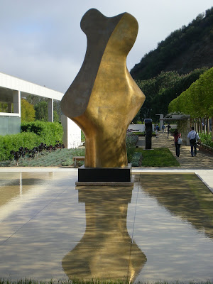 Henry Moore's Bronze Form sculpture