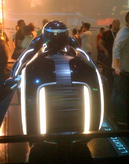 Tron Legacy Lightcycle front view