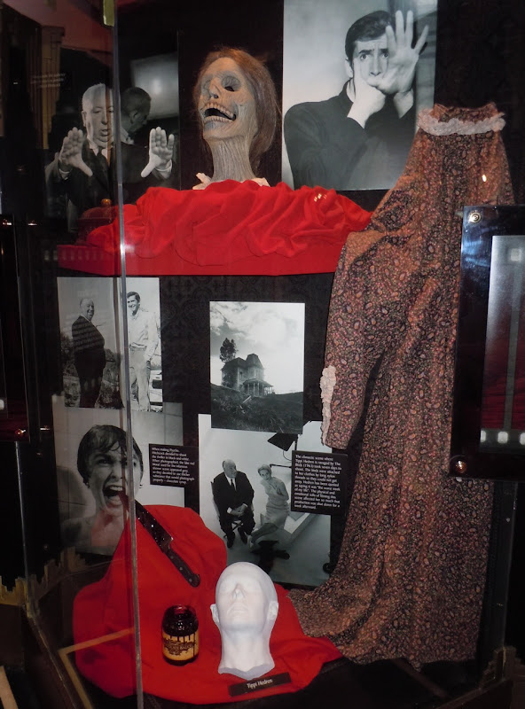 Psycho movie costume and props