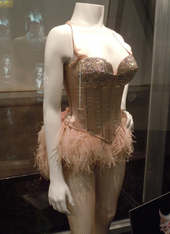 Burlesque Good Girl song costume
