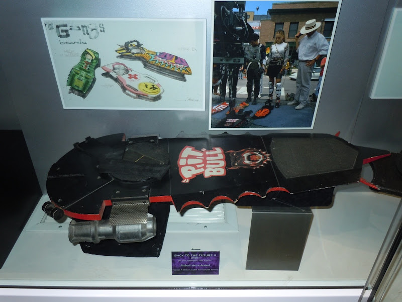 Pit Bull hoverboard Back to the Future II