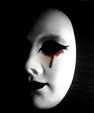 Como recoger correctamente la máscara para la persona